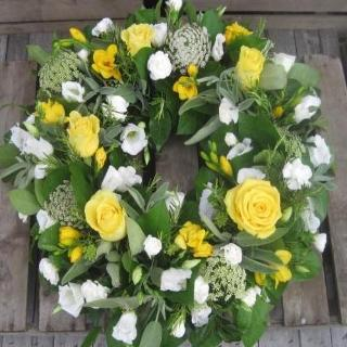 Angelina - Yellow and White Wreath