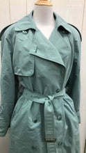 Load image into Gallery viewer, London Fog Green Womens Size 10 Jacket (Outdoor)