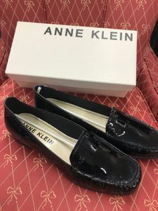 Anne Klein Black Womens Patent Leather Slip Ons