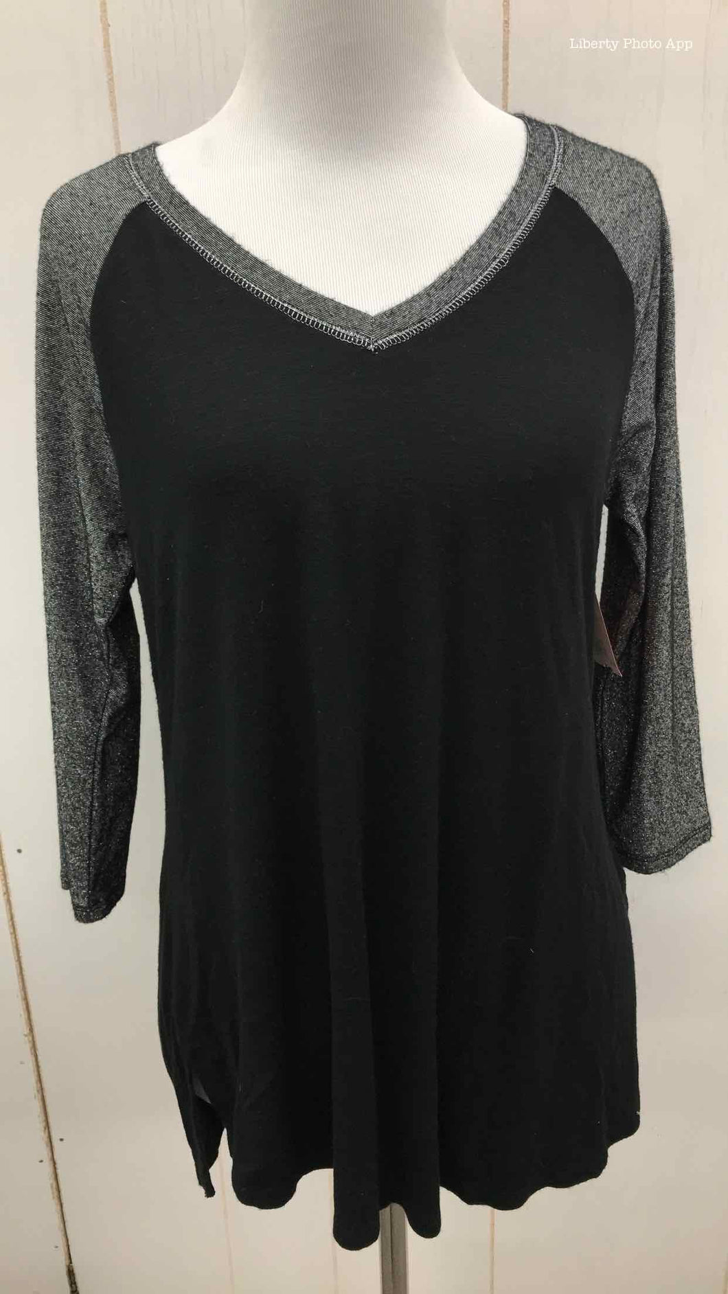Maurices Black Womens Size Small Shirt