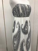 Load image into Gallery viewer, WHBM White Women Size 4 Dress