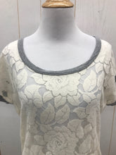 Load image into Gallery viewer, Delia's Cream Womens Shirt - Womens XS