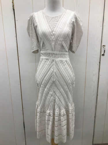 Size 4 BCBG Maxazria Cream Womens Dress