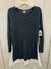Load image into Gallery viewer, Belle & Sky Blue Womens Size M Sweater