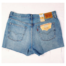 Load image into Gallery viewer, LEVIS 501 Distressed Embellished Jean Shorts Sz 32