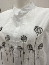 Load image into Gallery viewer, White Womens Size XL Shirt
