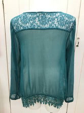 Load image into Gallery viewer, Maurices Green Womens Size XL Shirt