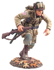 25014 - U.S. 101st Airborne Paratrooper Running with M1 Garand No.1