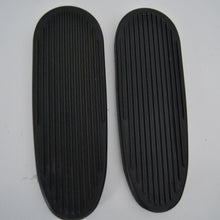 Load image into Gallery viewer, 00075493 Footboard pair Rubber covered