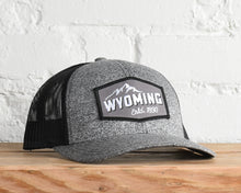 Load image into Gallery viewer, Wyoming Mt Peak Snapback