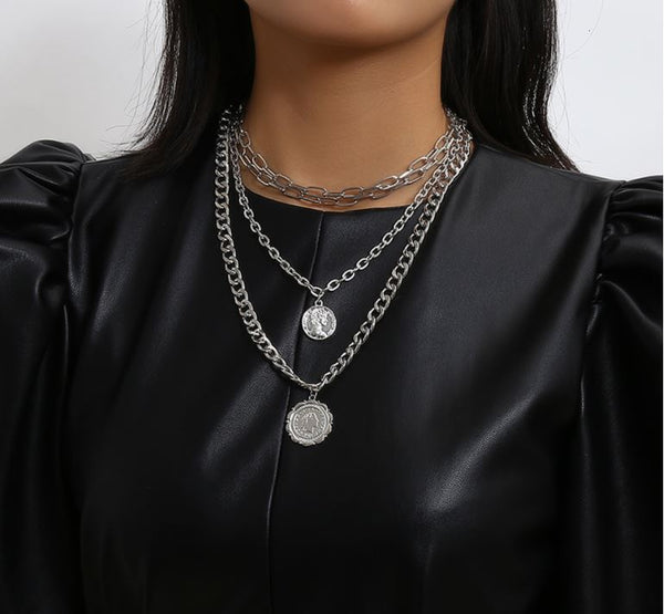 COIN MEDAGLIA CHOKER & LAYERED NECKLACE