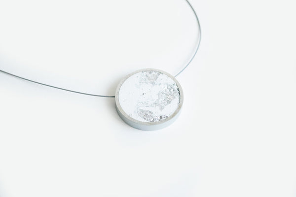 White Concrete Aluminum Necklace - Circle - Medium - Silver