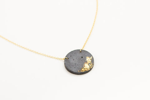 Concrete Fractured Necklace - Circle - Gold