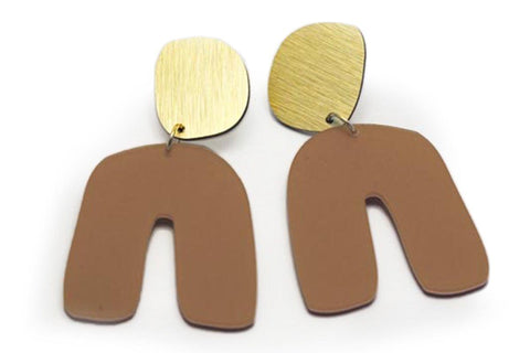 Nude Earrings - Fluid Curve