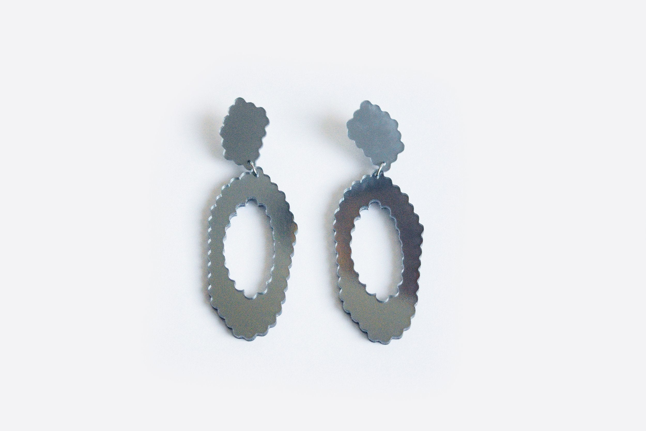 Ecoresin Scallop Earrings - Large Oval