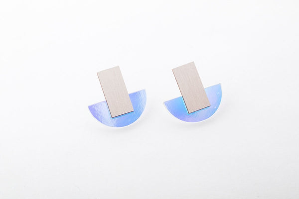 Solar Earrings - Arc Stud