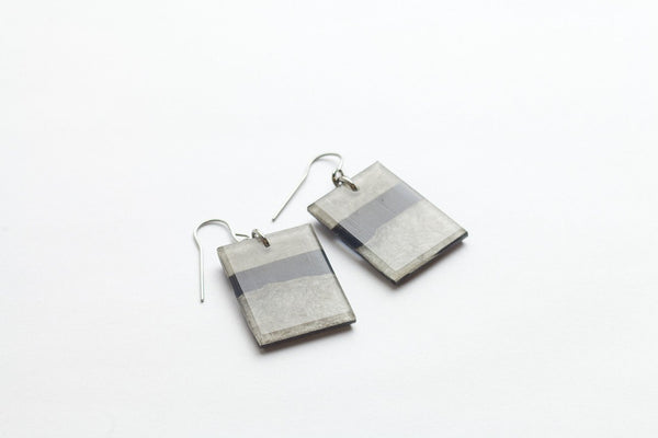 Fray Smoke Earrings - Regular
