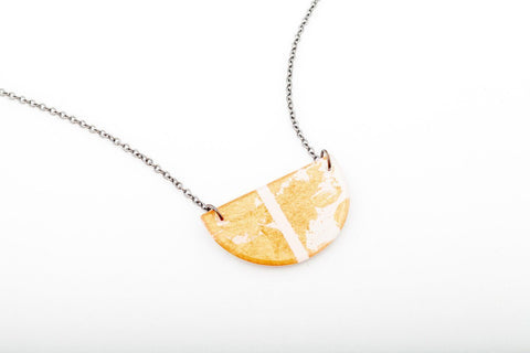 Gild Gold White Necklace - Half Circle
