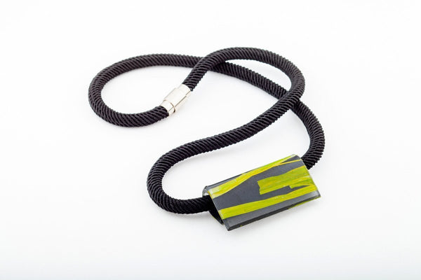 Seaweed Black Necklace - Fold