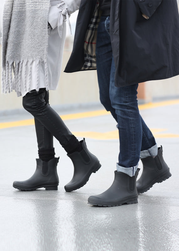 Roma Chelsea Matte Black Women Rain boots and ROMA Chelsea Men Matte Black Rain Boots