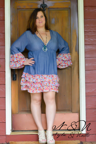 DIXIE - Dark - Plus Size Tunic Dress with Floral Accents