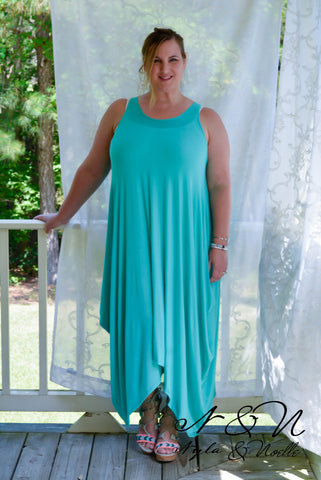 ALORA - Nyla & Noelle Plus Size Maxi Dress