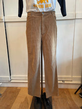 Load image into Gallery viewer, Longstreet Corduroy Pants