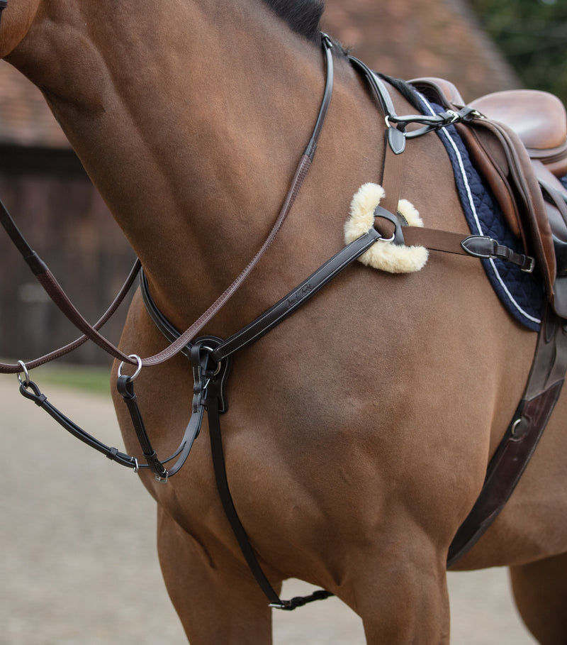 Mark Todd Deluxe 5-Point Breastplate