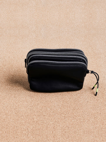 DETACHABLE LEATHER ZIPPER POUCH