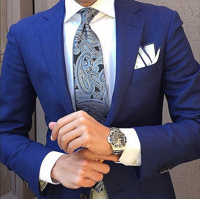 how to wear a paisley tie