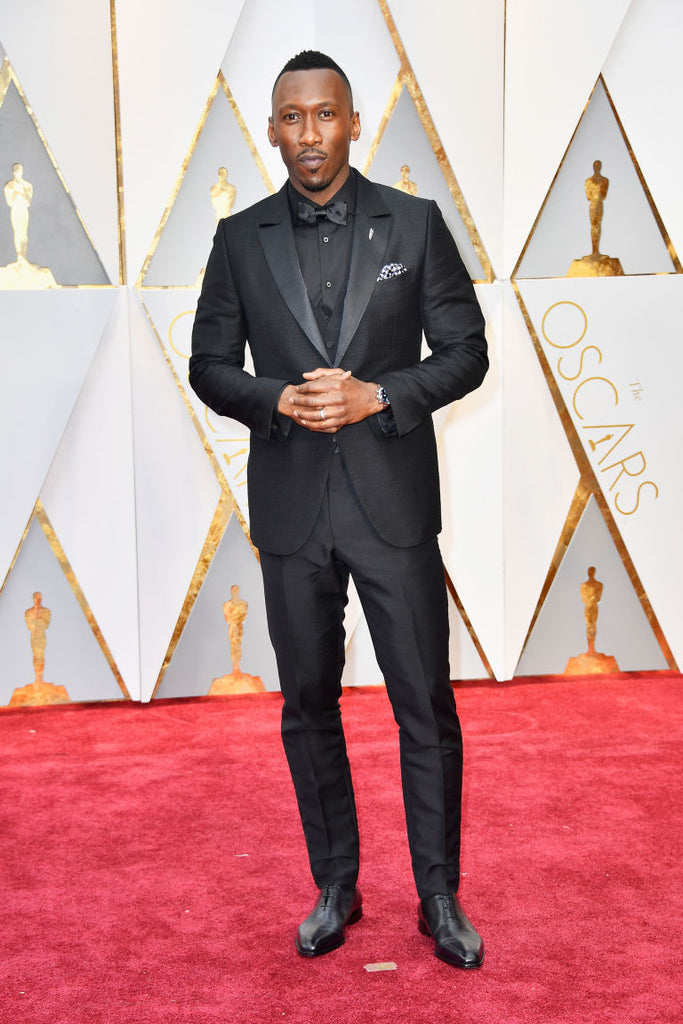 """c9e7820de9517 ... Mahershala Ali, who won the Academy Award for Best Supporting Actor for  """"Moonlight"""", looked so impressive with a total black look in a tuxedo, shirt,  ..."""
