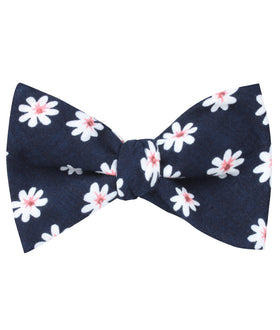 Jamaican White Flower Self Bow Tie
