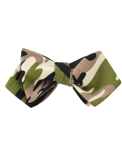 Jungle Green Camo Diamond Self Bow Tie