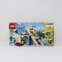 Certified Used Set 31080 Creator Modular Winter Vacation