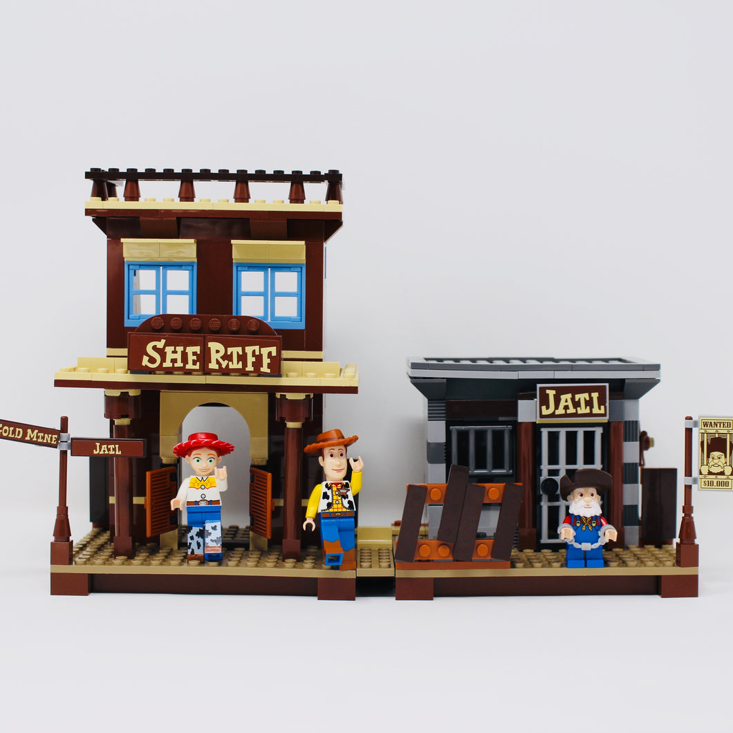 Used Set 7594 Toy Story 2 Woody's Roundup!