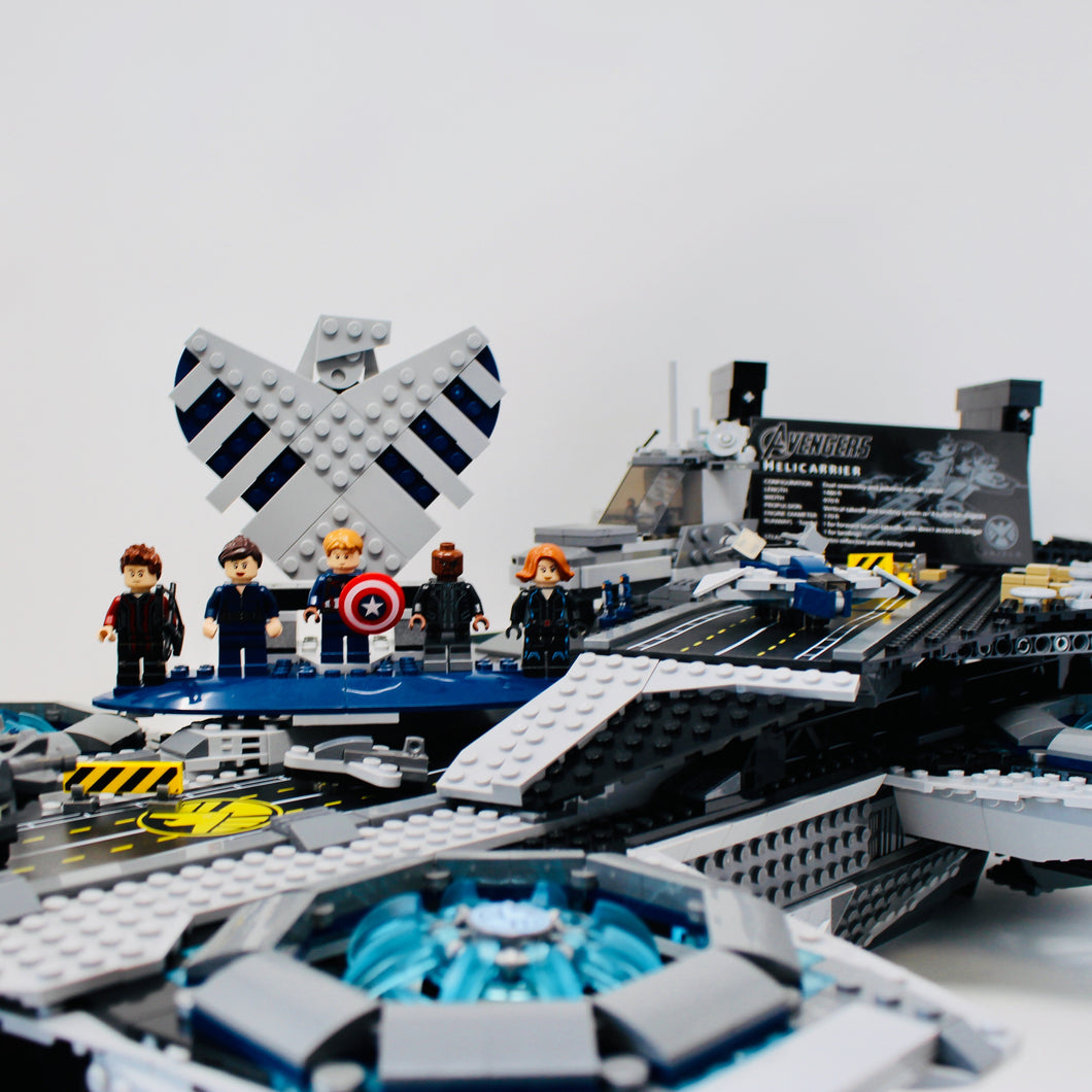 Used Set 76042 Marvel Super Heroes The S.H.I.E.L.D. Helicarrier