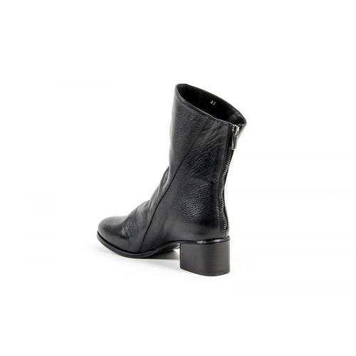 V 1969 Italia Womens Short Boot Black PLUM