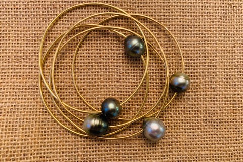 Bangle Bracelet with Tahitian Pearl