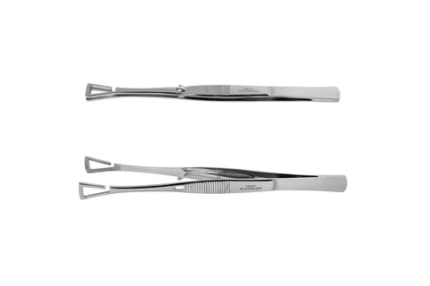 Piercing forceps with triangle-shaped head, opened sideways
