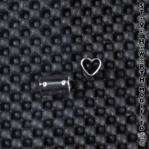 Shaped Eyelet - Heart 3/8""