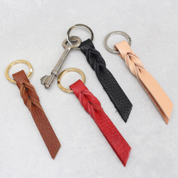 Twist Keyring - Small - Burgundy Tumblegrain
