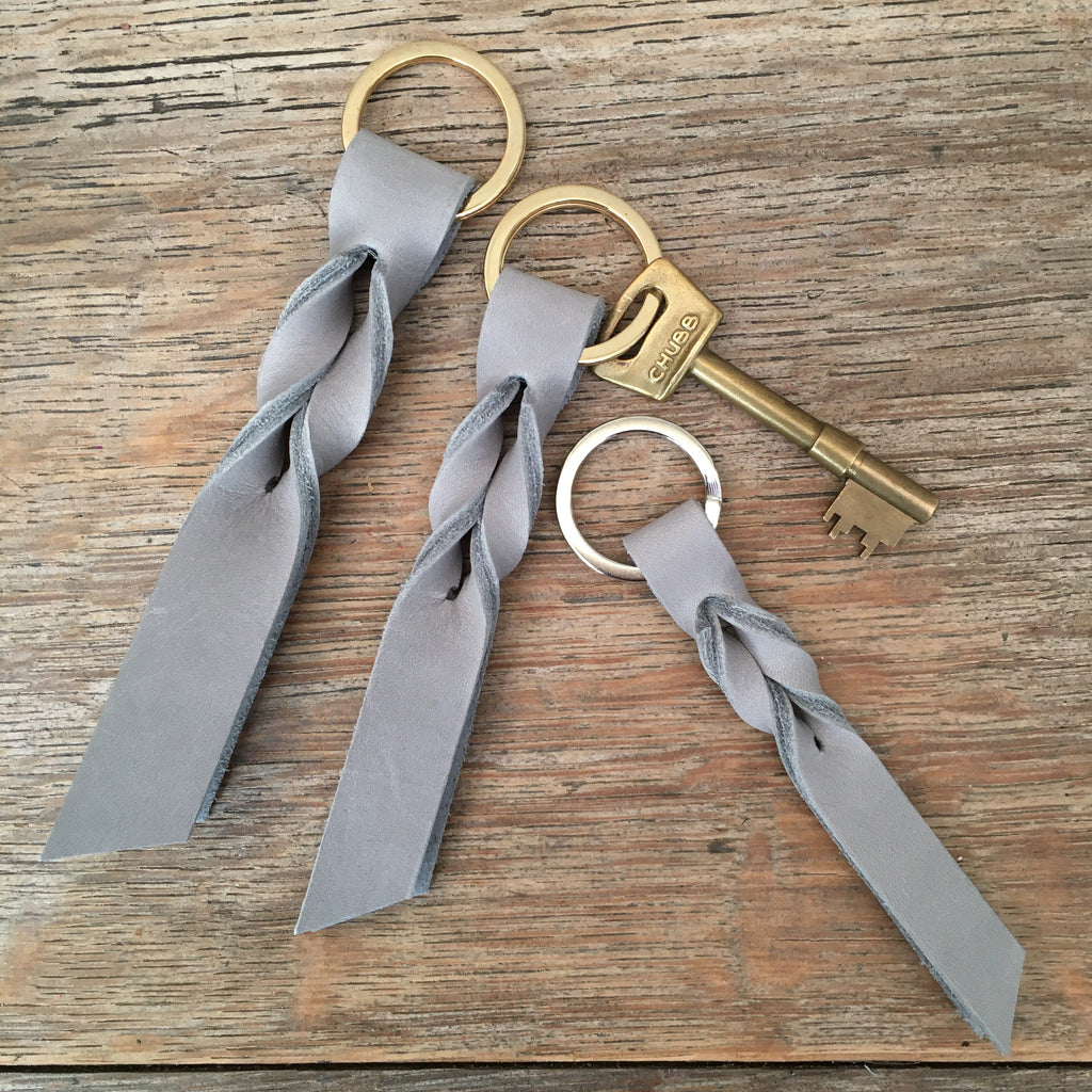 Twist Keyring - Grey