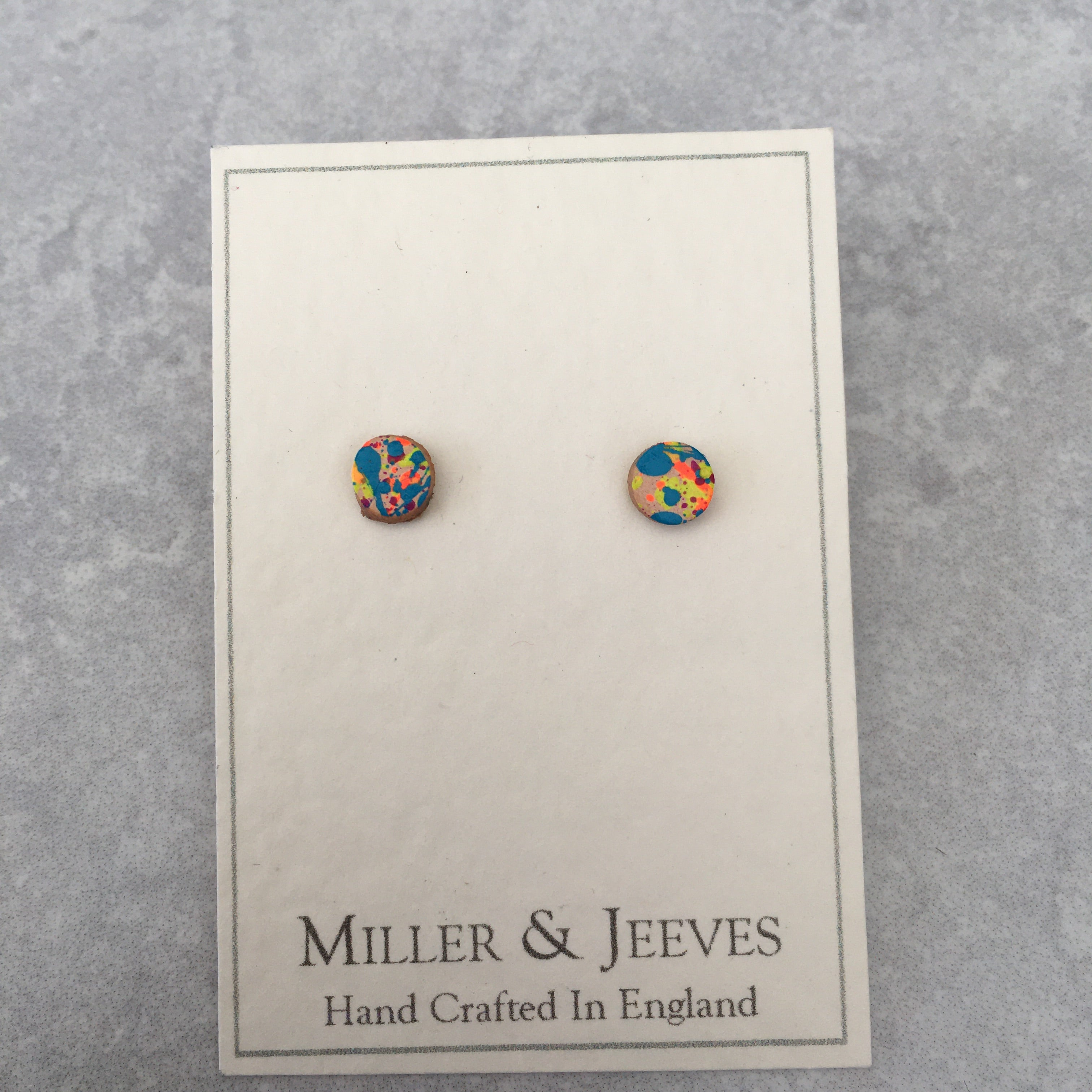 Leather Stud Earrings - multicolour  (7/32a7)