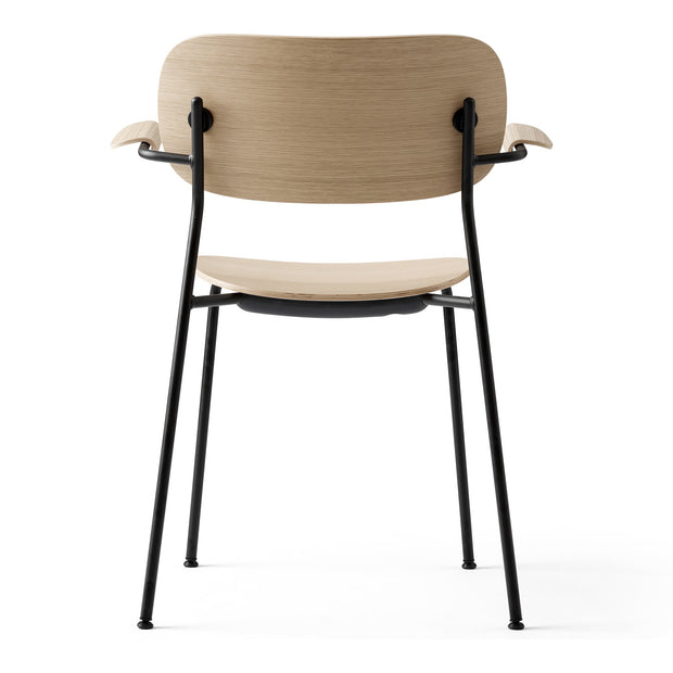 Menu Židle Co Chair s područkami, Black / Natural Oak - DESIGNSPOT