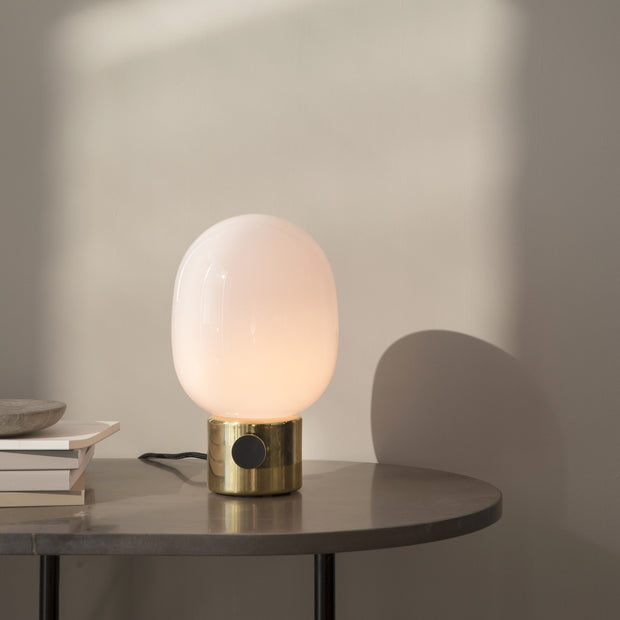 Menu Stolní lampa JWDA Metallic Lamp, Mirror Polished Brass - DESIGNSPOT