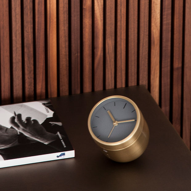 Budík Norm Tumbler Alarm Clock, Brushed Brass