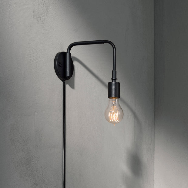 Menu Nástěnná lampa Staple Wall Lamp, Black - DESIGNSPOT