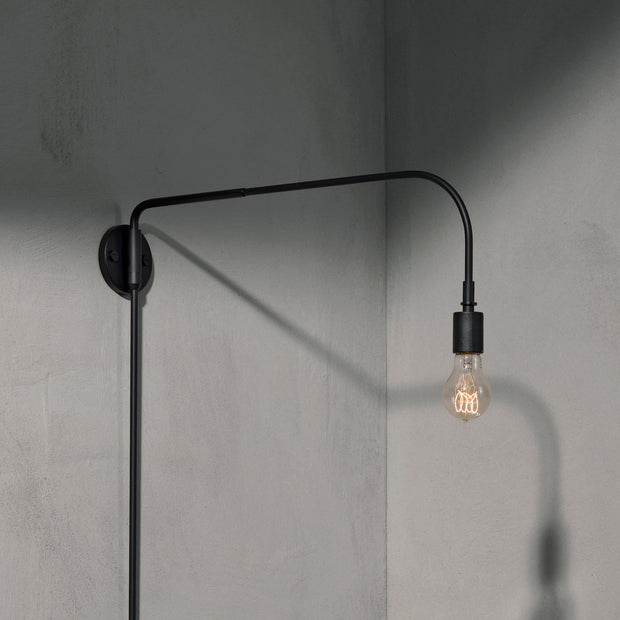 Menu Nástěnná lampa Warren Wall Lamp, Black - DESIGNSPOT