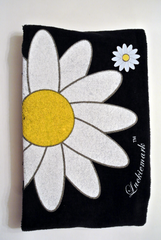 Daisy Towel and Ballmarker Pin Set