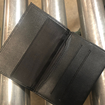Z Fold Leather Wallet von Mark Mason - JCM STORE